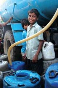 L'accès à l'eau et l'électricité dans les centres urbains est organisé par tranches horaires.