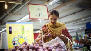 Dans les rayons de la chaîne de supermarchés de Bharti, Easyday, associé à l'américain Wal-Mart. Crédits photo : KEITH BEDFORD/The New York Times-REDUX-REA