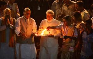 Aarti (messe) en l'honneur de Modi à Varanasi (c) indiatoday.in
